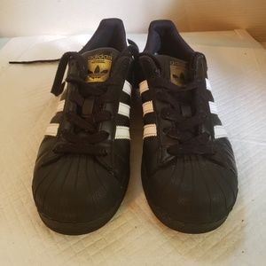 Adidas Superstar Shoes Girl's size 3.5y, Used